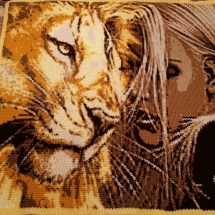 customer-crochet-art catherines lion and woman